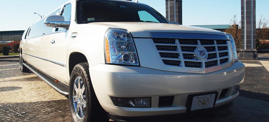 Cadillac Escalade Tandem Exterior front